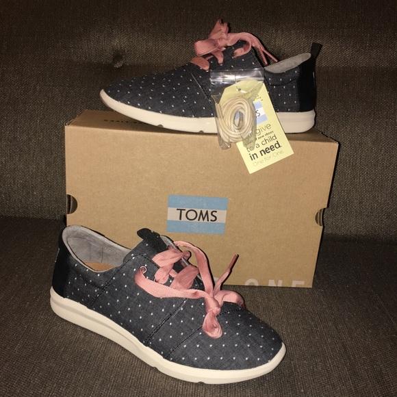 4fd113a97d9 NIB TOMS black dot chambray sneakers